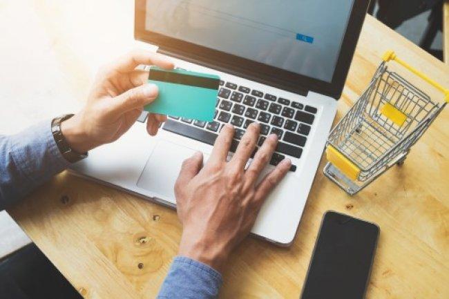 فوائد التجارة الإلكترونية على المجتمع