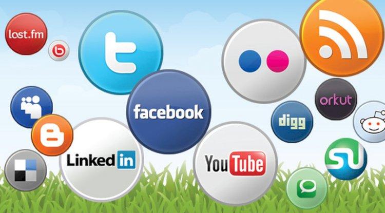 Visitez les sites Web des médias sociaux
